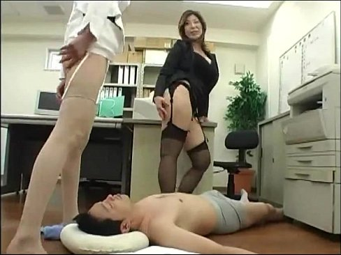 パンスト痴女たちの尻コキ騎乗プレイ 【エロ動画】