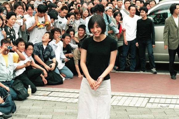 【画像】広末涼子、早稲田大学に初登校の時の画像wwwwwwwwwwww