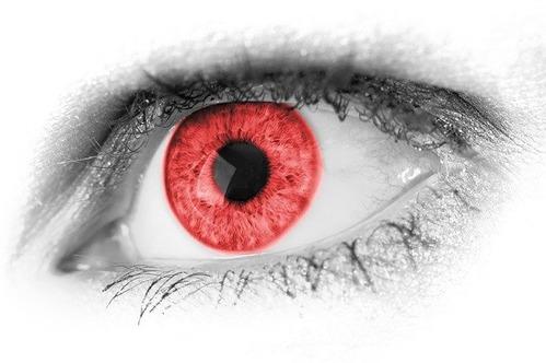 【悲報】介護士さん(43)、バッバ(80)がおむつ交換に抵抗したことにブチギレ眼球破裂させる