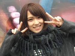 めちゃめちゃ可愛い椎名そらちゃんを温泉街でマ○コ丸出し露出をさせたら旅館で中出し!