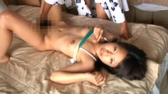 個人撮影 ☆ 18歳になりたての少女を海のそばの旅館でハメまくる!!