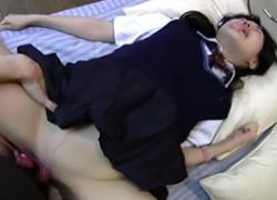 【個人撮影】ゴムを外されてガンガン突かれまくる生好き女子校生