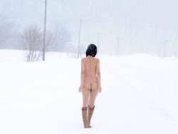 「-40℃の環境で中出ししたら精子は凍るのか」という実験に抜擢された女優が可哀想すぎるwww