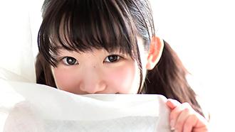 【合法ロ○】中○生みたいに愛らしい甘えん坊美少女とナンパSEX!