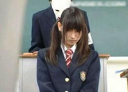 めちゃ可愛い娘が学園裁判で有罪判決を受けて強姦レイプ!