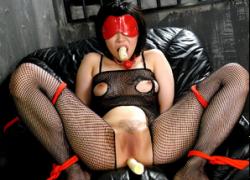 【無 3穴チンポ責め】拡張されたM女のアナルから垂れ流れる卑猥なザーメン!!