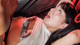 「ンギモ゙ヂィィィイイイイ!!」ピストンマシンをブチ込まれ白目をむいてぶっ壊れる由愛可奈ちゃん!