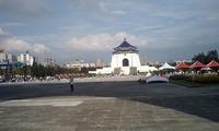 HI3A0060記念館遠望
