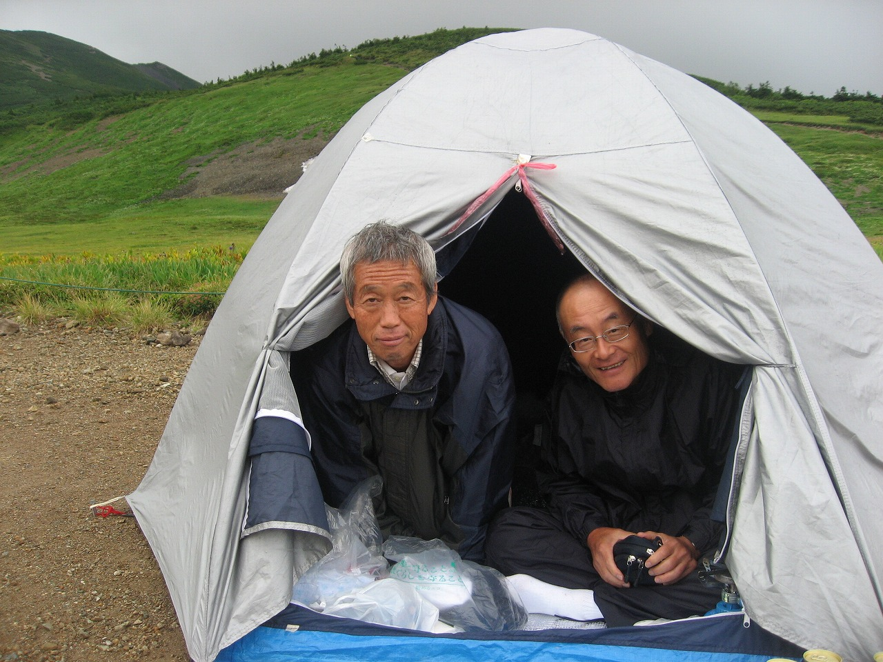 19-22 022 in a tent 4 (mr,k & h)