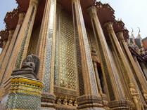 CIMG0051 宝石の装飾柱