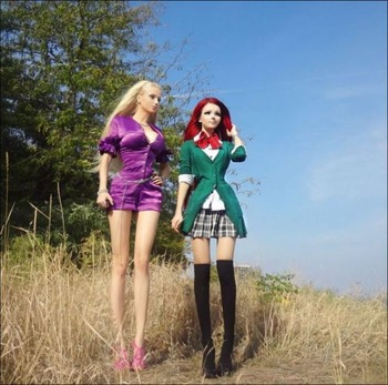 human_dolls_01