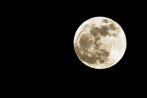 眺めているだけじゃダメ! 月を意識した生活で女をアゲよう