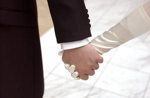 「性的魅力」を感じない相手と結婚できる?