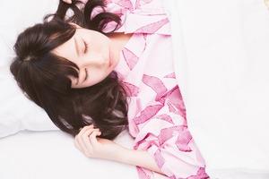 眠れる動画も⁉ 熟睡できる真夏の睡眠法