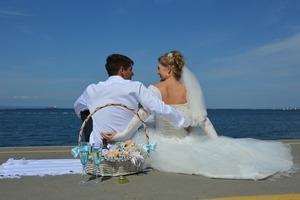 「写真婚」でサクッと決めるカップル急増中