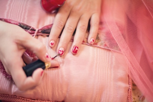 """ピンクを導入して""""大人かわいい""""秋冬ファッション"""