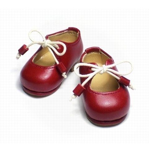 赤い靴の女の子。そら豆靴第二作目。