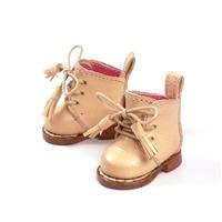 マドレーヌちゃんのヌメ革ブーツ