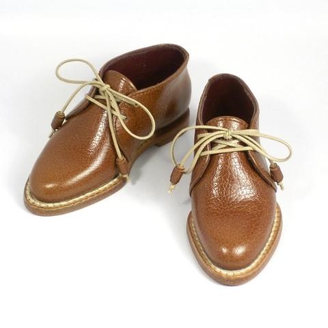 「「SD17 橘四郎に似合う 靴。ヴィンテージカラーのデニムにも合うチャッカブーツが欲しいです。コレぞ!という色お願いします。」― 秘蔵の革でコレぞ!にお応えしました。