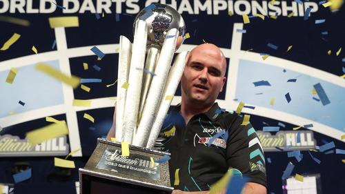 skysports-rob-cross-world-darts-champion-trophy_4196496