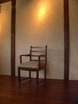 ギャラリーの椅子