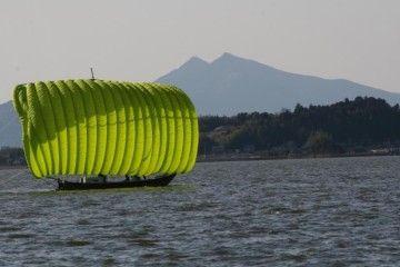 「七色帆引き船」