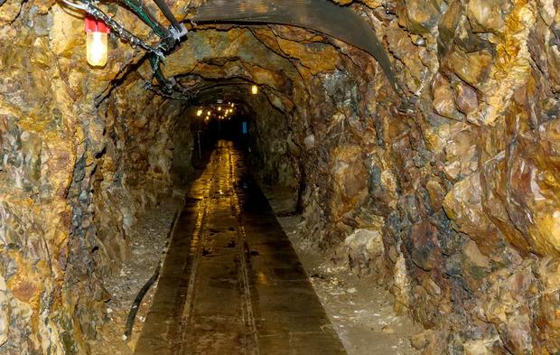 尾去沢鉱山の坑道