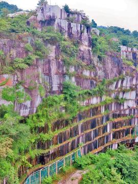 稲田の御影石(石切山脈)