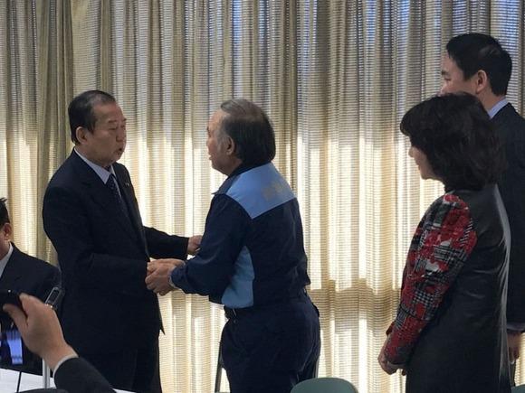 被災者生活再建支援法適用を要望する米田徹市長