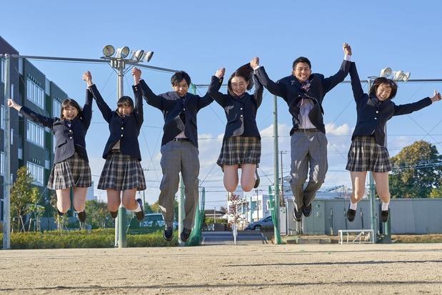 高校生のイメージ(Kazpon / PIXTA)