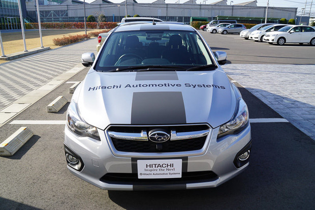 自動運転の試験車両(スバルの「インプレッサG4」)