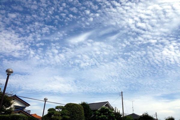 夏の終わりの雲