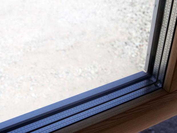 3重ガラスの窓