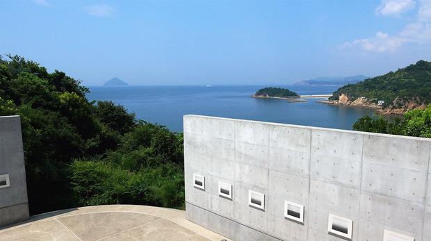 直島ベネッセハウス美術館からの絶景
