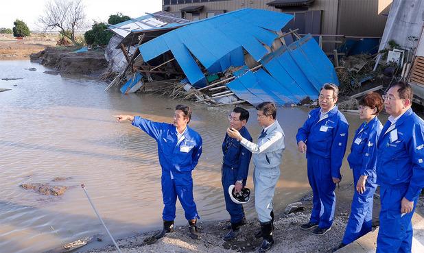 堤防が決壊した三坂町を現地調査