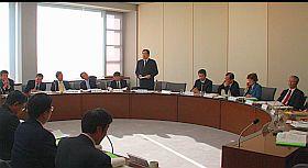 決算特別委員会での審査