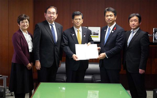 国交省で大井川知事と共に国交大臣要望