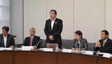 県議会決算委員会の模様