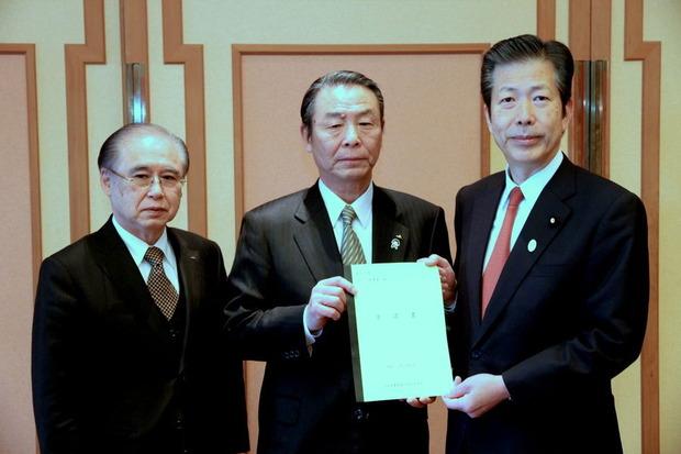 JA茨城中央会加倉井豊邦会長から要請を受ける山口那津男代表
