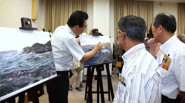 東日本大震災写真展「人間の復興」へ