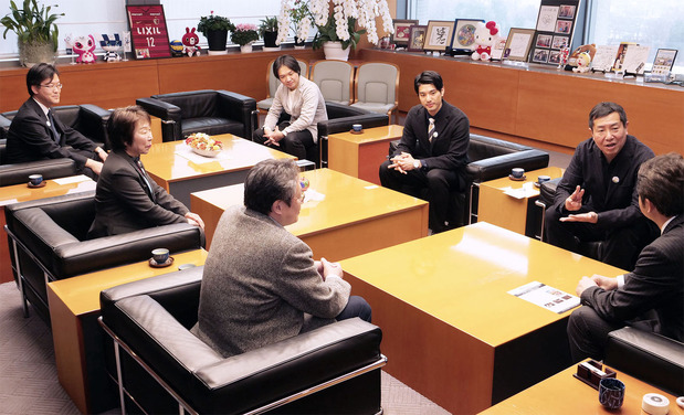 松村監督らが大井川知事を表敬