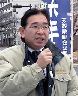 1月21日、日立駅前で県議会報告を行う井手よしひろ県議