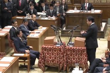 野田首相(当時)と安倍総裁の党首討論