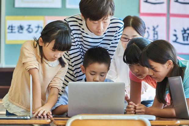 パソコンと学生