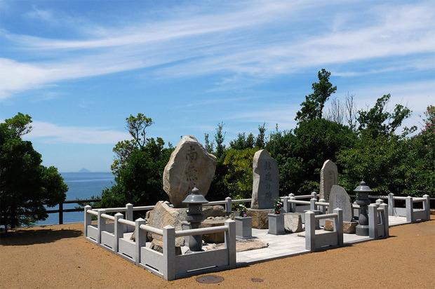 2018年8月、大島青松園の慰霊碑