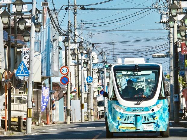 茨城県境町/全国初の自動運転バスの定時運行
