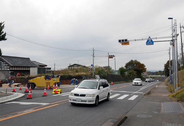 国道6号(新)石名坂交差点