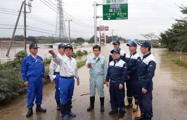 水戸市飯富の洪水現場
