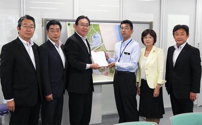 常陸海浜公園管理事務所・黒沢伸行所長に要望書