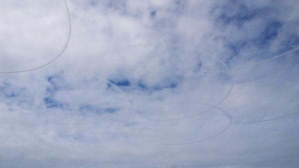 航空自衛隊ブルーインパルスの訓練飛行